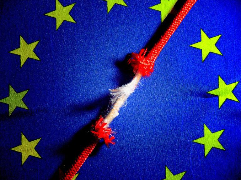 Jotta koronakriisissä EU ei romahtaisi, vaaditaan 400 tutkijan tukemassa kirjeessä luopumista uusliberalismista, jälleenrakentamaan julkisia palveluja ja voimistamaan sosiaalista ulottuvuutta